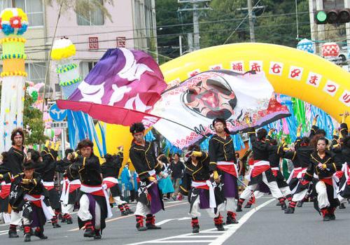 愛知県のどまつりチームMeetiα(ミーティア)様のよさこい旗お写真