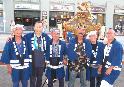 サンフランシスコ樽神輿連様の神輿半纏お写真