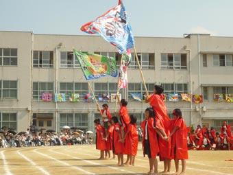 堺市立月州中学校様の大漁旗を使ったマスゲーム