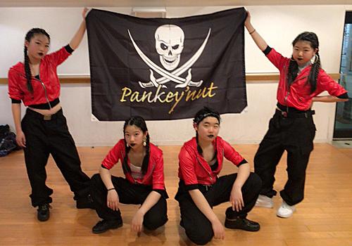 神奈川県の湘南台ダンススタジオS様のフラッグ